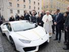 Papežovo Lamborghini pro Čecha